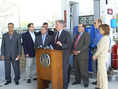Assemblyman Fred W. Thiele, Jr. speaks at a press conference with members of the Assembly Minority Conference about a proposal to lower gasoline prices.