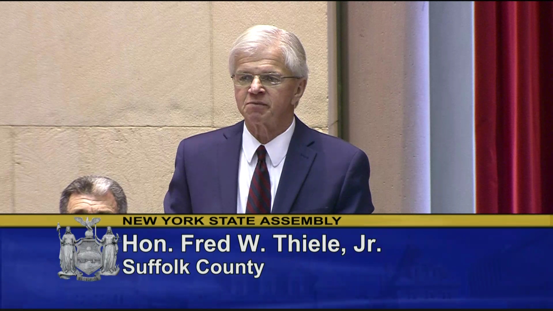 Thiele Helps Pass Plastic Bag Ban Measure