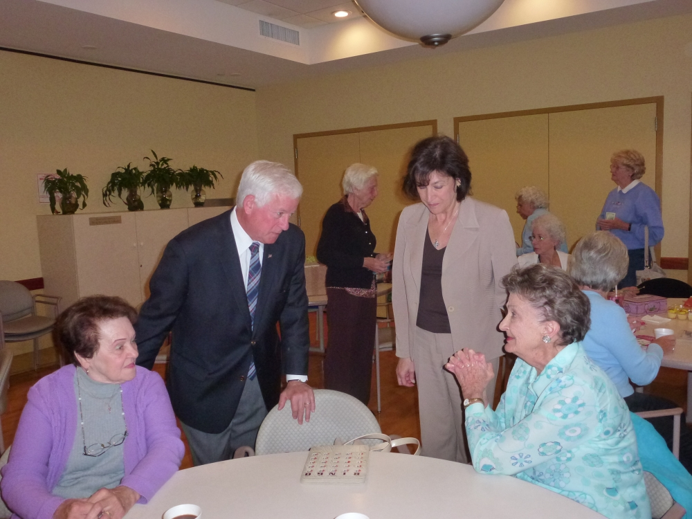 Assemblyman Charles Lavine (D-Glen Cove) talks to some of the seniors at the Life Enrichment Center at Oyster Bay during a recent visit. He was joined by Silvana LaFerlita Gullo, Executive Director. The Assemblyman, who secured a $15,000 state grant for programs and services at the Center, shared stories with those on hand and addressed questions from audience members. The Center, which is a 501 (c)3 non-profit, is a multi-purpose, community center that offers services and programs for people ages 50 and over.