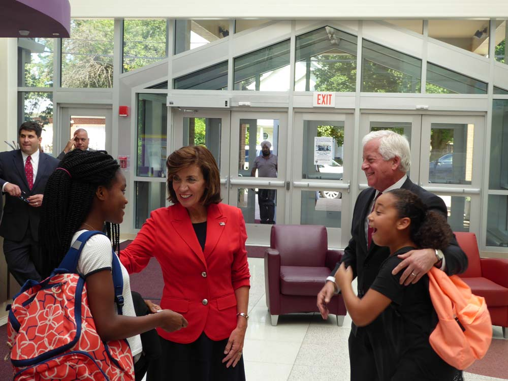 "Assemblyman Lavine at the ""Yes We Can Center"" in Westbury with Lieutenant Governor Kathy Hochul and some great kids!"