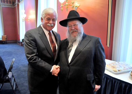 Assemblyman Lavine was happy to meet with Rabbi Shmuel Butman, director of the Lubavitch Youth Organization, when Rabbi Butman visited Albany in late March for both the Passover holiday and for a commemoration of the 108th birthday of Menachem Schneerson, the Lubavitcher Rebbe.