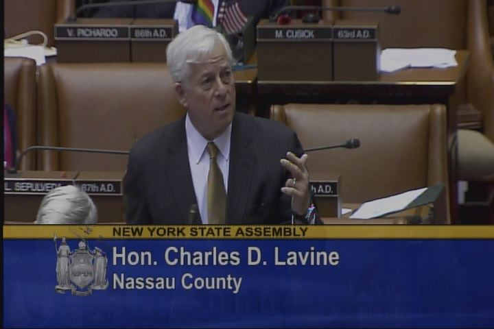 Assemblyman Lavine Stands In Support Of The DREAM Act