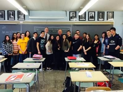 Assemblyman Dave McDonough meets with students in Mr. Dircks' U.S. History class at Mepham High School.