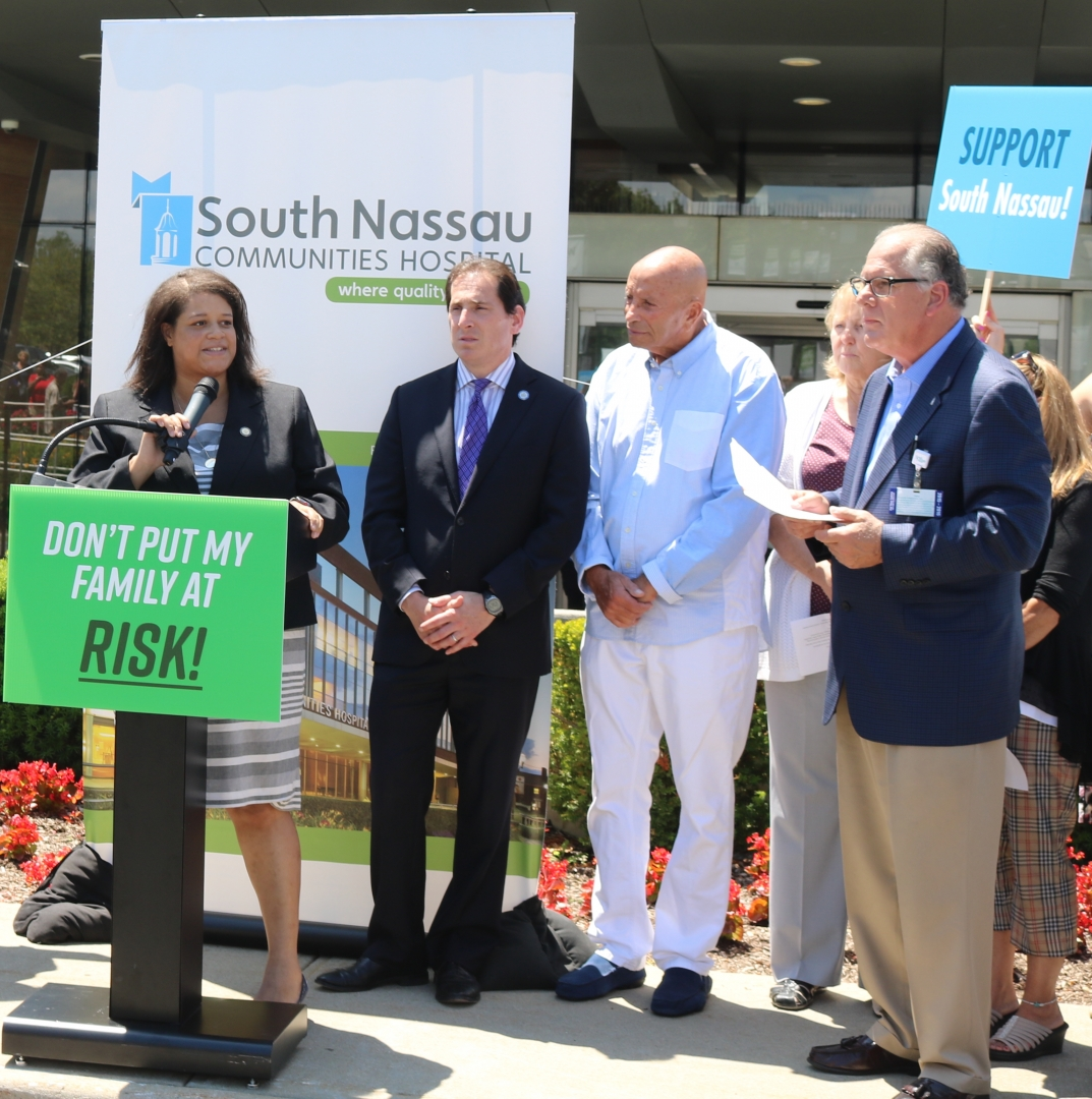 Assemblywoman Solages rallied with community members to advocate for BlueCross BlueShield patients at South Nassau Communities Hospital.