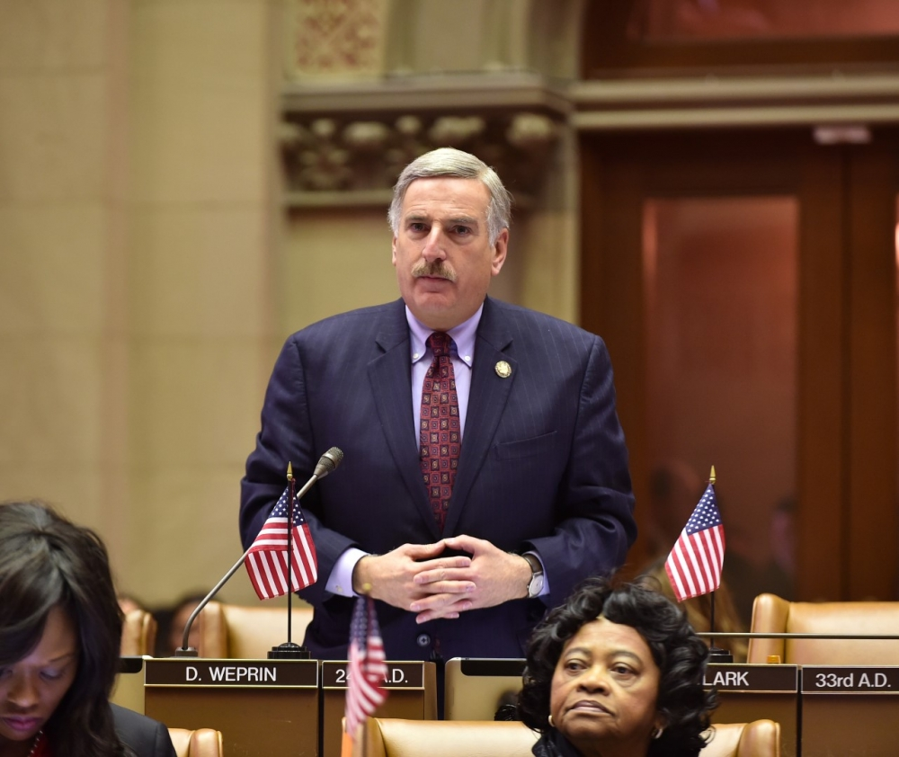 Assemblyman Weprin addresses his Assembly colleagues in remembrance of Chief Judge Judith Kaye. In January, after her passing, the State Assembly passed a resolution honoring the life and career of Ju