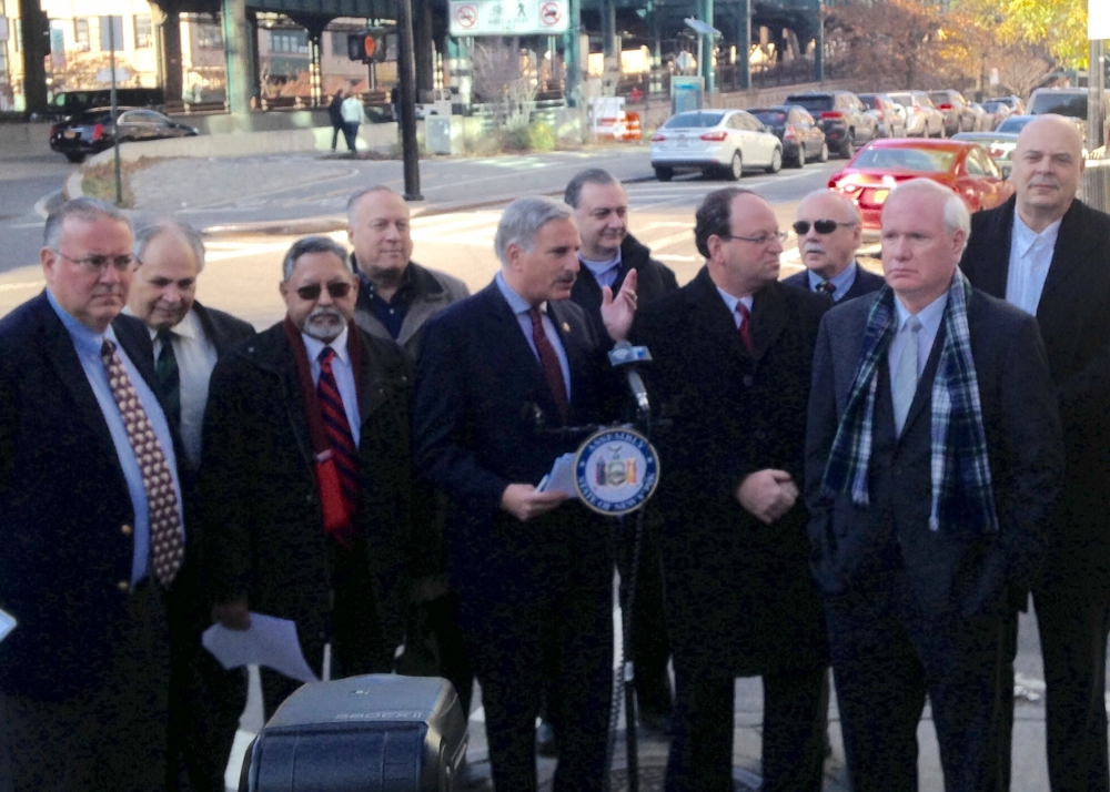 Assemblyman David Weprin rallies against a re-introduced congestion pricing scheme that seeks to place tolls on the Queensboro/59th Street Bridge with Senator Tony Avella, Assemblywoman Alicia Hyndman, Councilman Barry Grodenchik, the Queens Chamber of Commerce & the Queens Civic Congress.