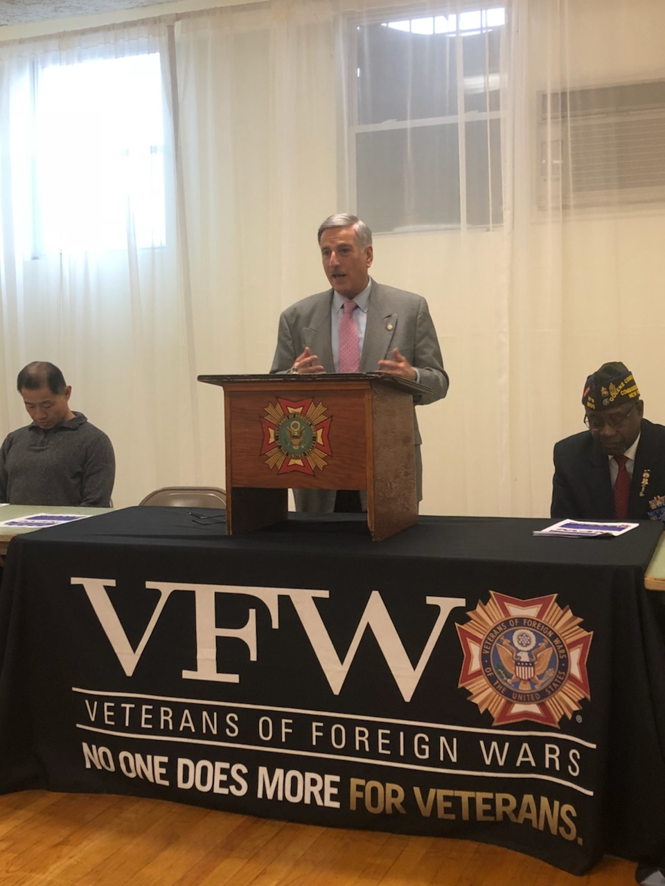 Assemblyman Weprin attended the Queens County Council VFW 54th Annual Legislative Breakfast at the Queensboro Hill VFW Post No. 3427 and spoke with Veterans to discuss their needs in the new legislati