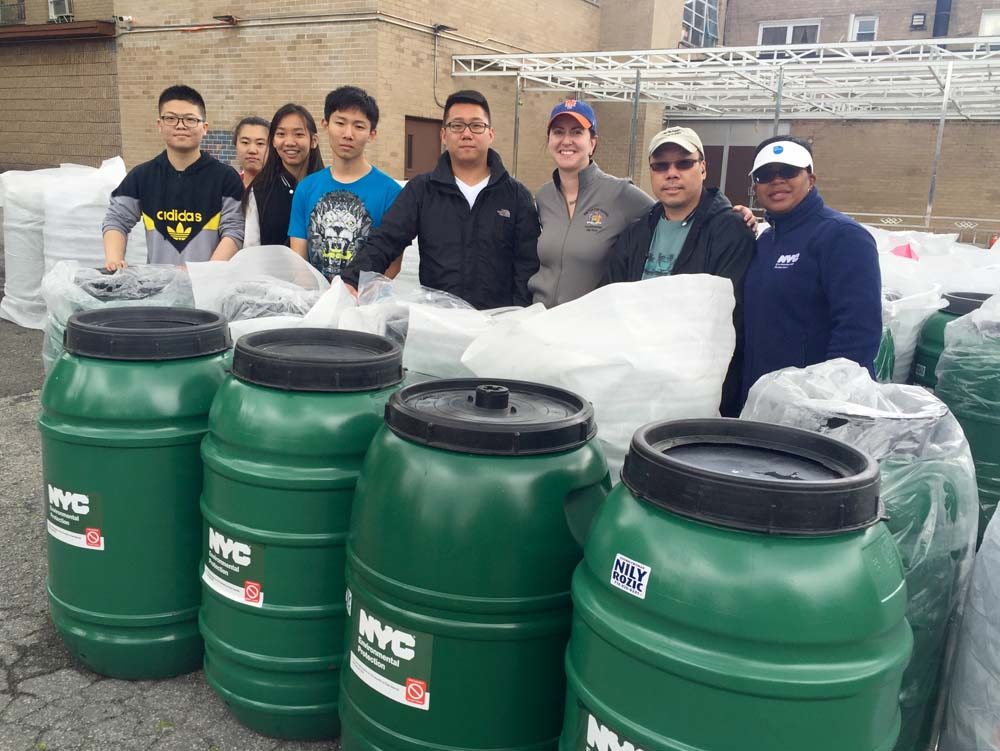 Assemblywoman Nily Rozic hosted her fourth annual Rain Barrel Giveaway at the Israel Center of Conservative Judaism in partnership with the City's Department of Environmental Protection.