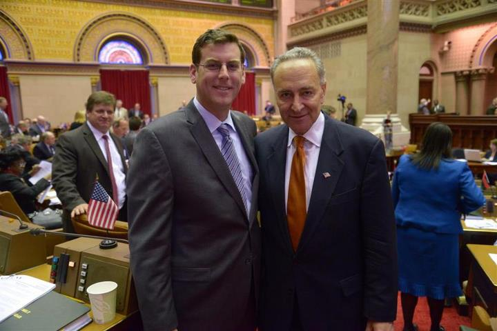 On Monday, April 29, 2013, Assemblyman Braunstein met with Senator Charles E. Schumer at session in Albany.