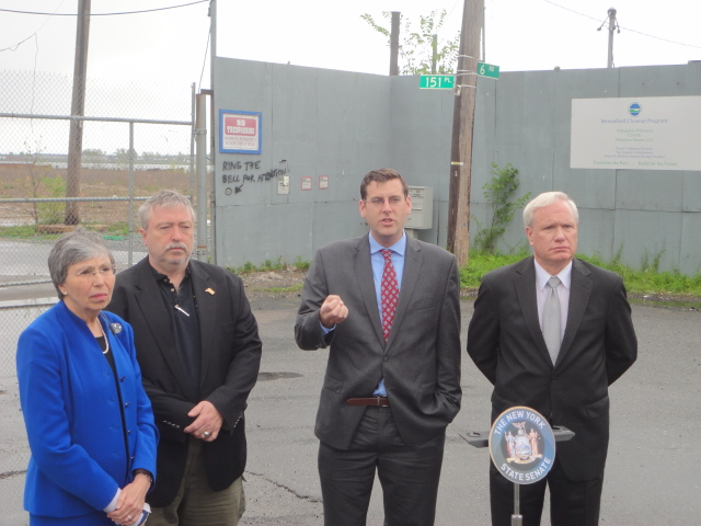 On Thursday, May 9, 2013, Assemblyman Braunstein along with Senator Tony Avella and Community Board 7 announced legislation requiring that the New York State Department of Environmental Conversation n