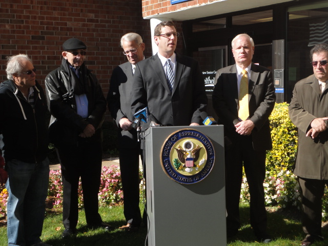 On Monday, November 4, 2013, Assemblyman Braunstein attended a press conference hosted by Congressman Steve Israel with Senator Tony Avella and community leaders to call for the passage of the Weekend