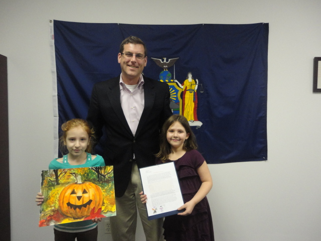 On November 22, 2013, Assemblyman Braunstein congratulated the winners of his Halloween Essay and Drawing Contest 2013.