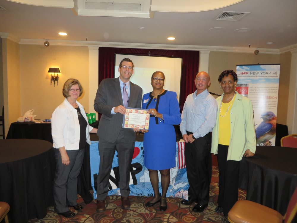 On April 25, 2014, Assemblyman Braunstein attended the state meeting of the New York Association of Nutrition & Foodservice Professionals (ANFP). Assemblyman Braunstein is pictured with ANFP National