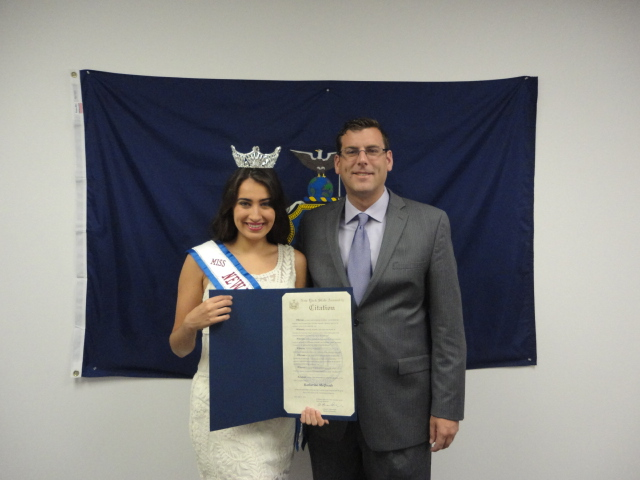 On August 1, 2014, Assemblyman Braunstein presented a New York State Assembly Citation to his constituent, Miss New York Collegiate America Katherine McQuade, for her volunteer work for pancreatic can