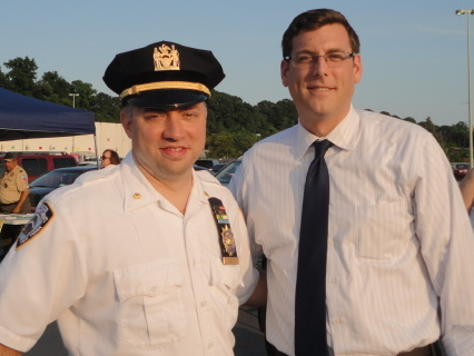 On August 5, 2014, Assemblyman Braunstein attended the 111th Precinct's National Night Out Against Crime.