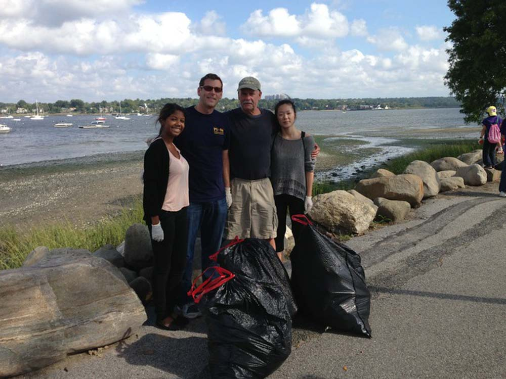 Assemblyman Braunstein and his staff volunteered at Little Neck Bay with Shawn Spencer & Cub Scout Pack 255 as part of the American Littoral Society's New York State Beach Cleanup.