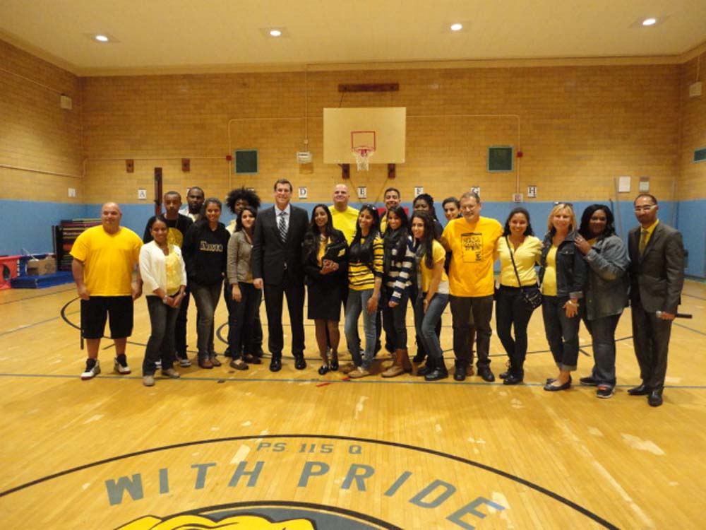 Assemblyman Braunstein visited the Samuel Field Y's COMPASS NYC Program at PS 115 for their Annual Lights on Afterschool event. Assemblyman Braunstein is pictured with Site Director Michelle Ragoo and