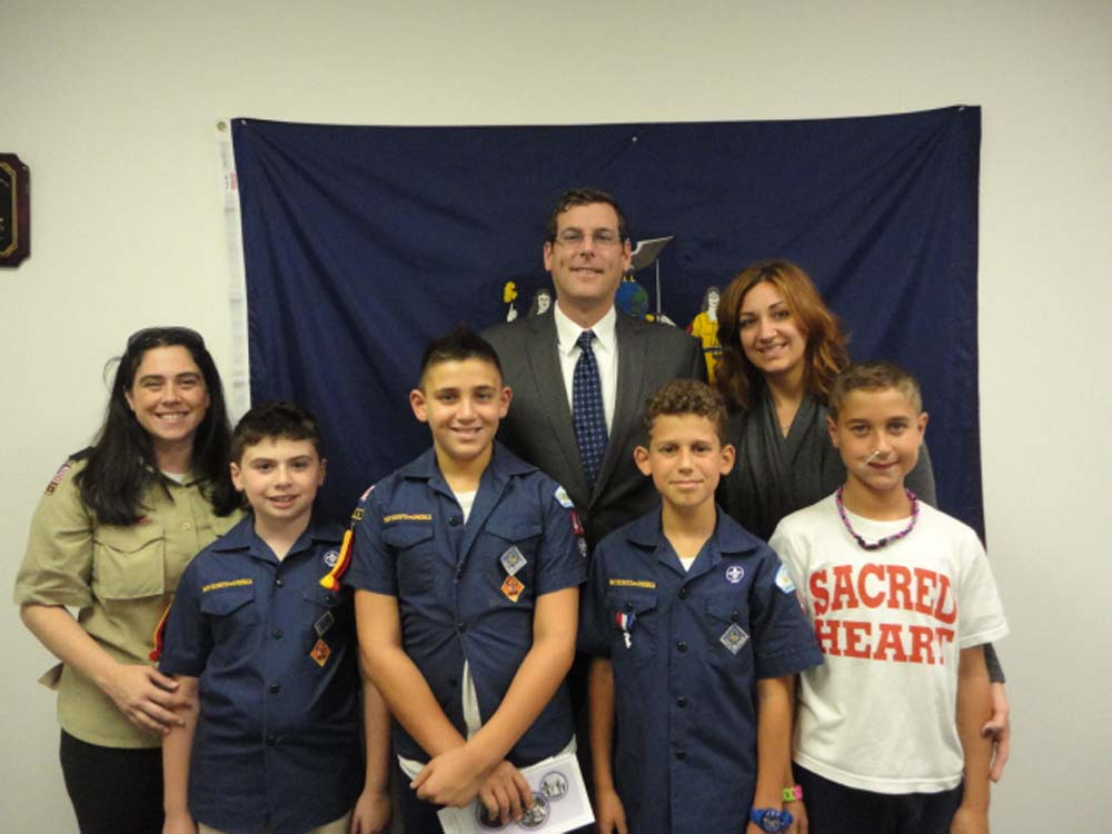 Assemblyman Braunstein hosted Sacred Heart Cub Scout Pack 49 Den 4 at his District Office. Assemblyman Braunstein discussed with the Cub Scouts how a bill becomes a law in the State Assembly, which he