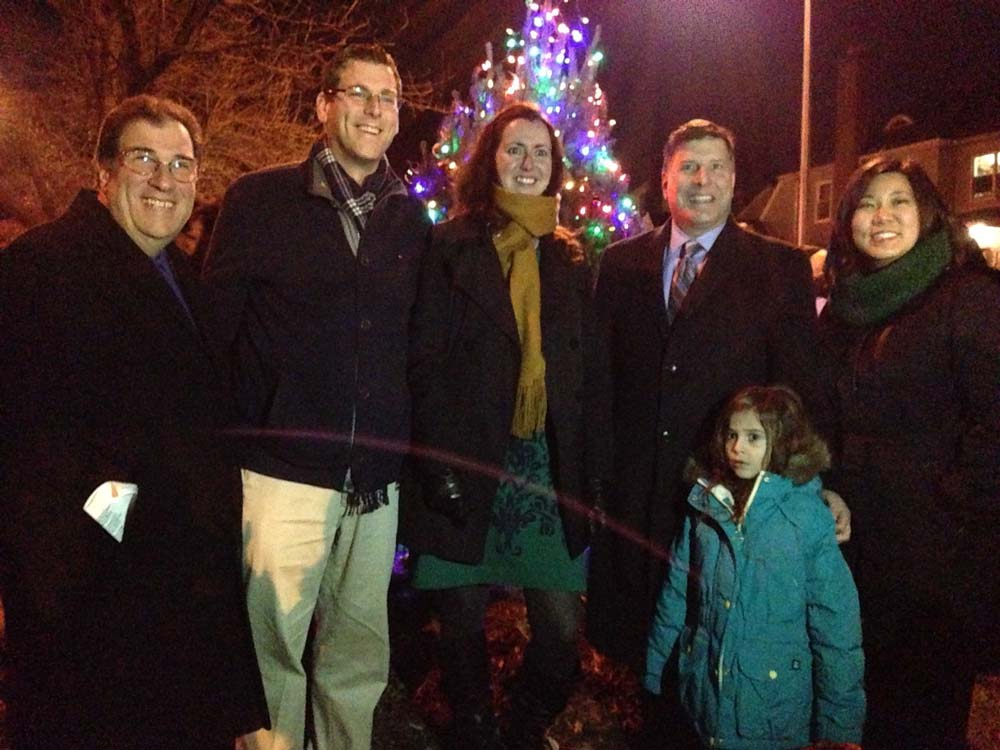 On December 15, 2014, Assemblyman Braunstein attended the Bayside Hills Civic Association Holiday Lighting with Congresswoman Grace Meng, Assemblywoman Nily Rozic, Council Member Mark S. Weprin, and A