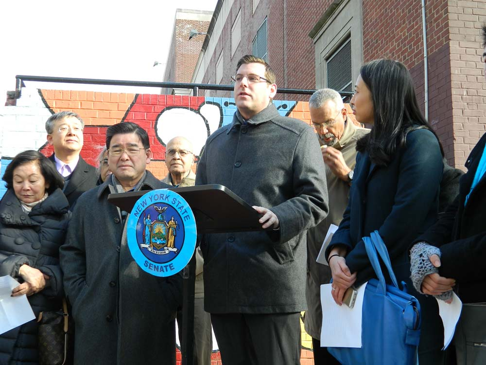 On December 18, 2014, Assemblyman Braunstein joined Senator Toby Ann Stavisky, Assemblymen Ron Kim and Jeffrion Aubry, and Council Member Peter Koo, to announce a new law that will require the city to