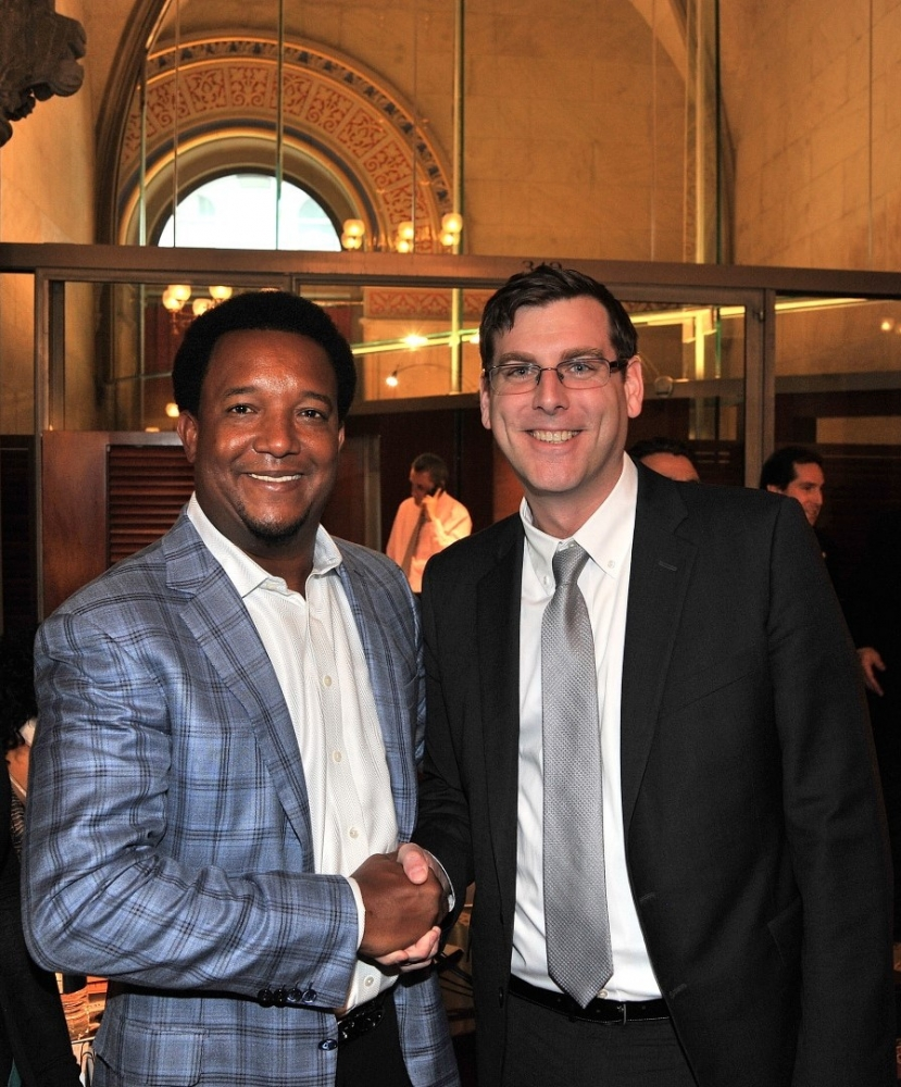 On February 26, 2015, Assemblyman Braunstein met recently-elected Hall of Fame pitcher and former New York Met Pedro Martinez in Albany.