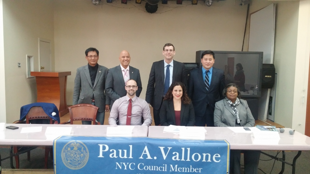 On March 13, 2015, Assemblyman Braunstein, along with Assemblyman Ron Kim and Council Member Paul Vallone, hosted a Small Business Forum at Korean Community Service Center. Assemblyman Braunstein is p