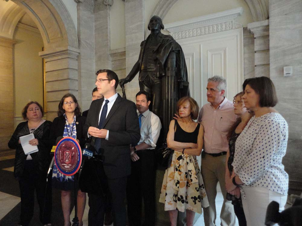 On July 9, 2015, Assemblyman Braunstein spoke at a press conference urging hospitals to stop the filming of patients without consent with Senator Brad Hoylman, Senator Liz Krueger, Council Member Barr