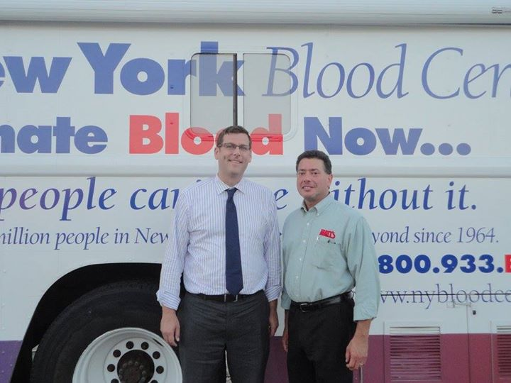 On August 13, 2015, Assemblyman Braunstein sponsored his 3rd Annual Summer Blood Drive in conjunction with the New York Blood Center. Assemblyman Braunstein is pictured with Ben's Kosher Delicatessen