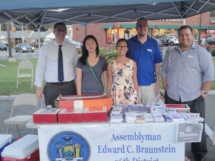 On August 13, 2015, Assemblyman Braunstein's staff hosted a Mobile District Office at his 3rd Annual Summer Blood Drive and provided refreshments to donors, courtesy of Assemblyman Braunstein.
