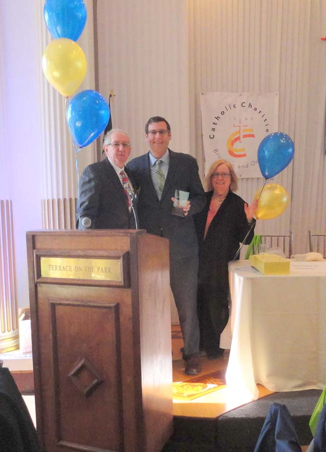 On October 23, 2015, Assemblyman Braunstein was honored with the Queensboro Council for Social Welfare's Outstanding Government Leadership Award at its 93rd Annual Awards Luncheon & Networking Exhibit