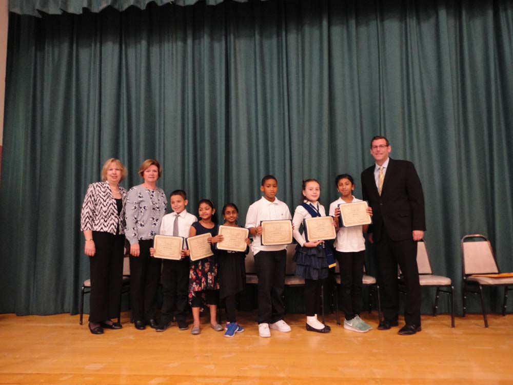 On November 10, 2015, Assemblyman Braunstein inducted the Student Council of PS 115 in Floral Park. Assemblyman Braunstein is pictured with Principal Kathleen Sciortino, Student Council Moderator Mary