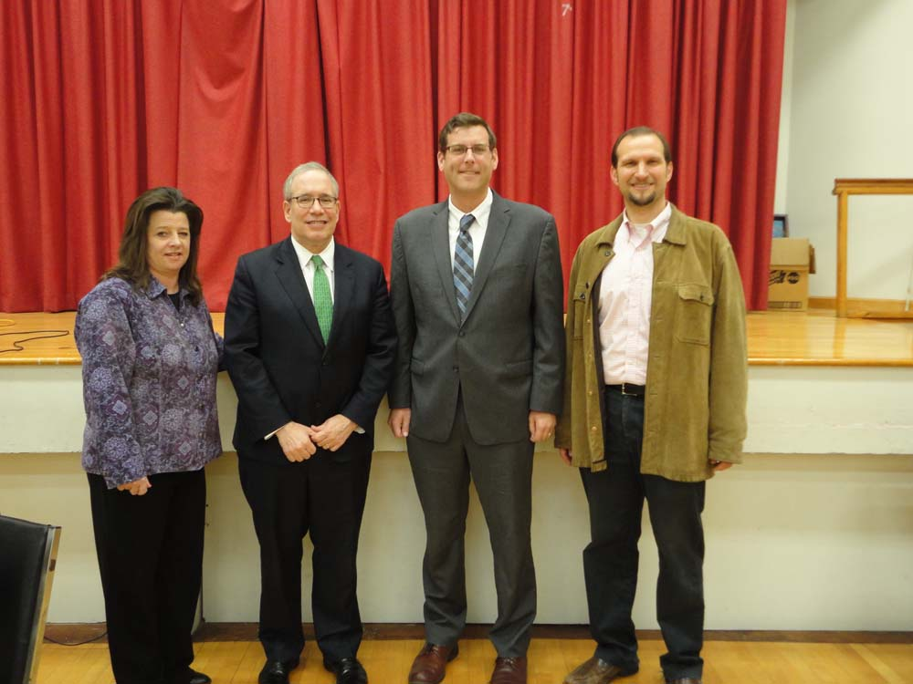 On November 12, 2015, Assemblyman Braunstein visited Selfhelp Clearview Senior Center with NYC Comptroller Scott M. Stringer. Assemblyman Braunstein and Comptroller Stringer are pictured with Erin Bre