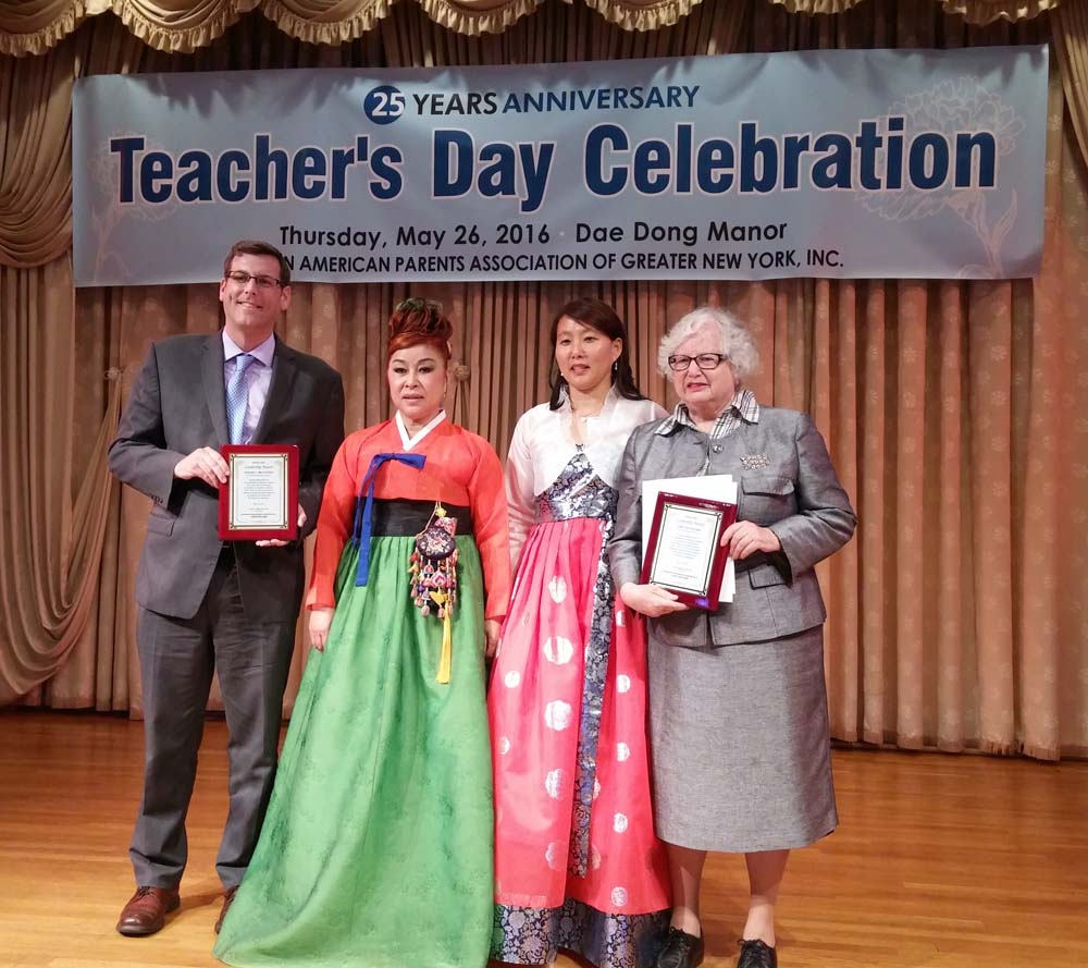 On May 26, 2016, Assemblyman Braunstein attended the Korean American-Parents Association of Greater New York's 25th Annual Teacher's Celebration.