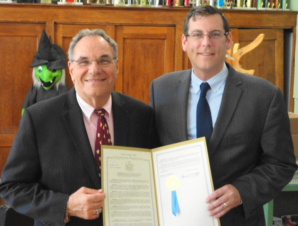 On June 10, 2016, Assemblyman Braunstein presented a New York State Legislative Resolution to Sacred Heart School Principal Dennis Farrell in recognition of his retirement after 28 years of service.