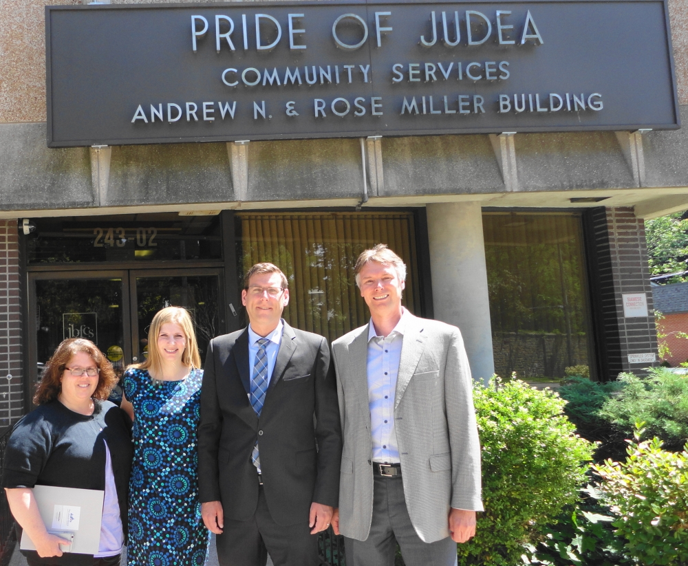 On July 11, 2016, Assemblyman Braunstein visited Pride of Judea Community Services in Douglaston.
