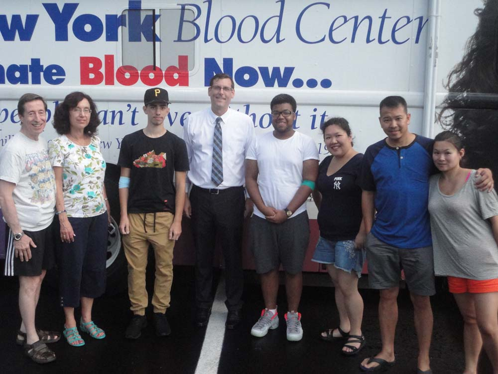 On August 11, 2016, Assemblyman Braunstein sponsored his office's 4th Annual Summer Blood Drive at the Bay Terrace Shopping Center.