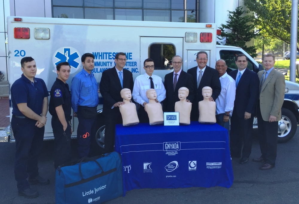 On September 13, 2016, Assemblyman Braunstein joined the Greater New York Automobile Dealers Association when they donated Resusci Annes for CPR training to Whitestone Volunteer Ambulance Service.