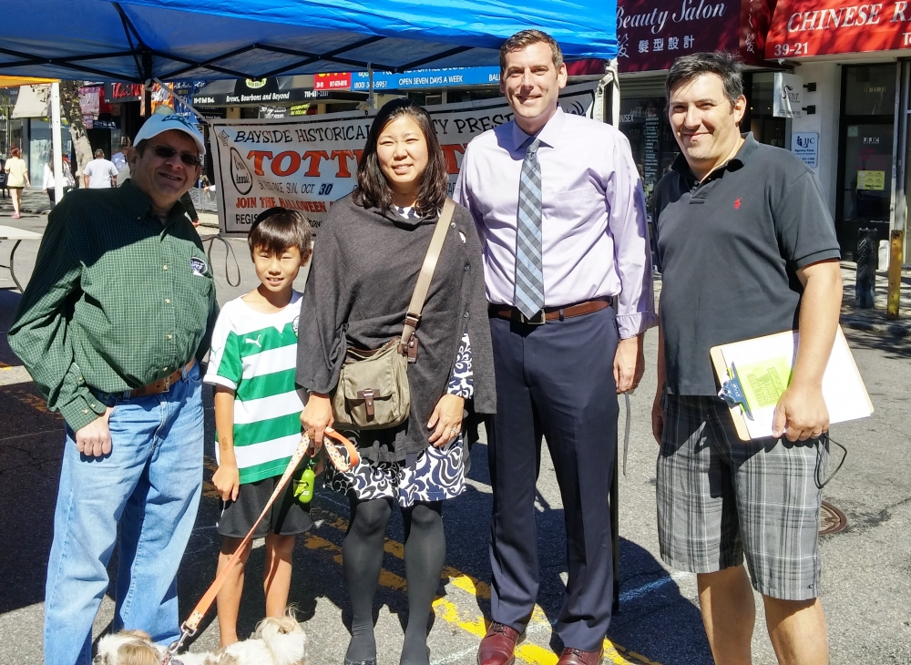 On September 25, 2016, Assemblyman Braunstein joined Congresswoman Grace Meng at this year's Bayside Village Business Improvement District Sunday Stroll.