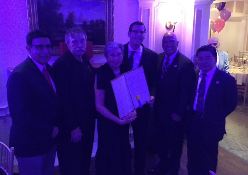 On September 30, 2016, Assemblyman Braunstein presented a New York State Legislative Resolution to Marilyn Bitterman at her Retirement Dinner, in recognition of her 40 years of service at Community Bo