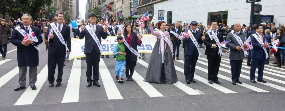 On October 1, 2016, Assemblyman Braunstein marched in the 36th Annual Korean Parade & Festival.