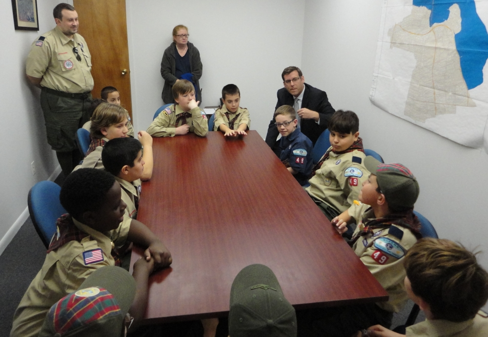 On November 3, 2016, Assemblyman Braunstein met with Sacred Heart Cub Scout Pack 49.