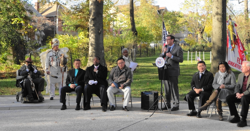 On November 11, 2016, Assemblyman Braunstein attended the Olde Towne of Flushing Burial Ground 10th Anniversary Celebration.