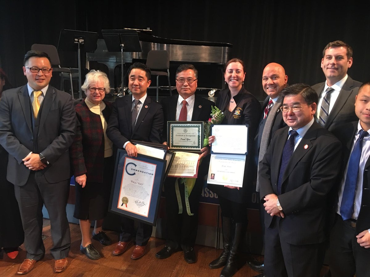 On January 6, 2017, Assemblyman Braunstein attended the Installation Ceremony of Thomas Soohyun Kim, the newly elected President of the Korean American Association of Queens.
