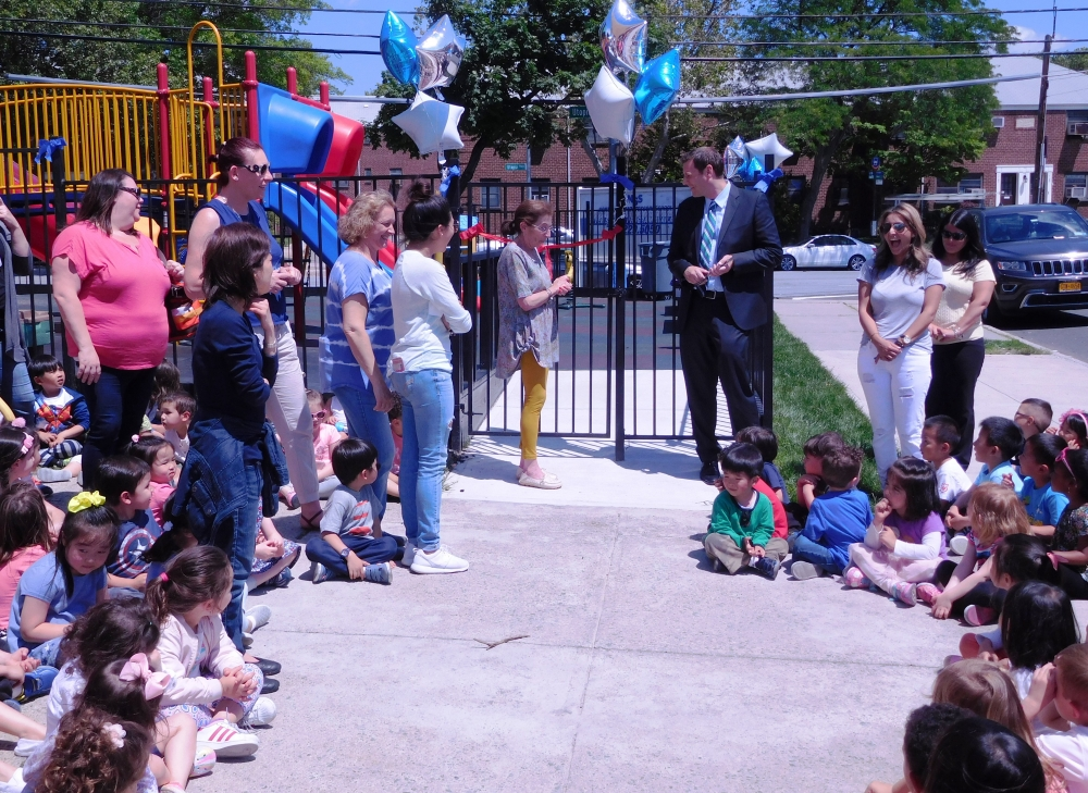 On June 9, 2017, Assemblyman Braunstein attended the North Side School Ribbon Cutting Ceremony commemorating their new playground.
