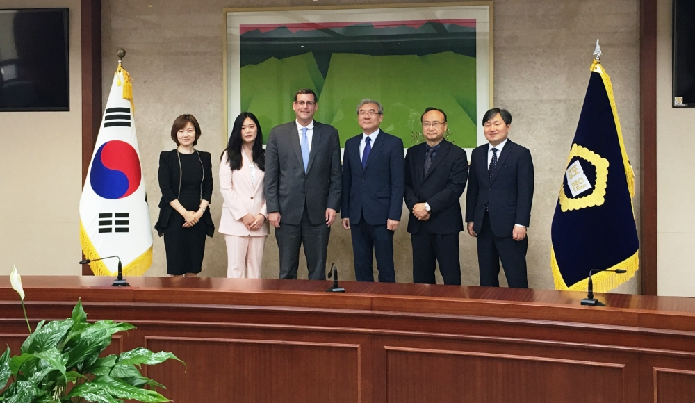 On July 6, 2017, Assemblyman Braunstein met with Min Kul Lee, Chief of the Planning and Coordination Office; Judge Insung Hwang, Director of International Affairs; and Sun Pyo Kim, Diplomatic Coordina