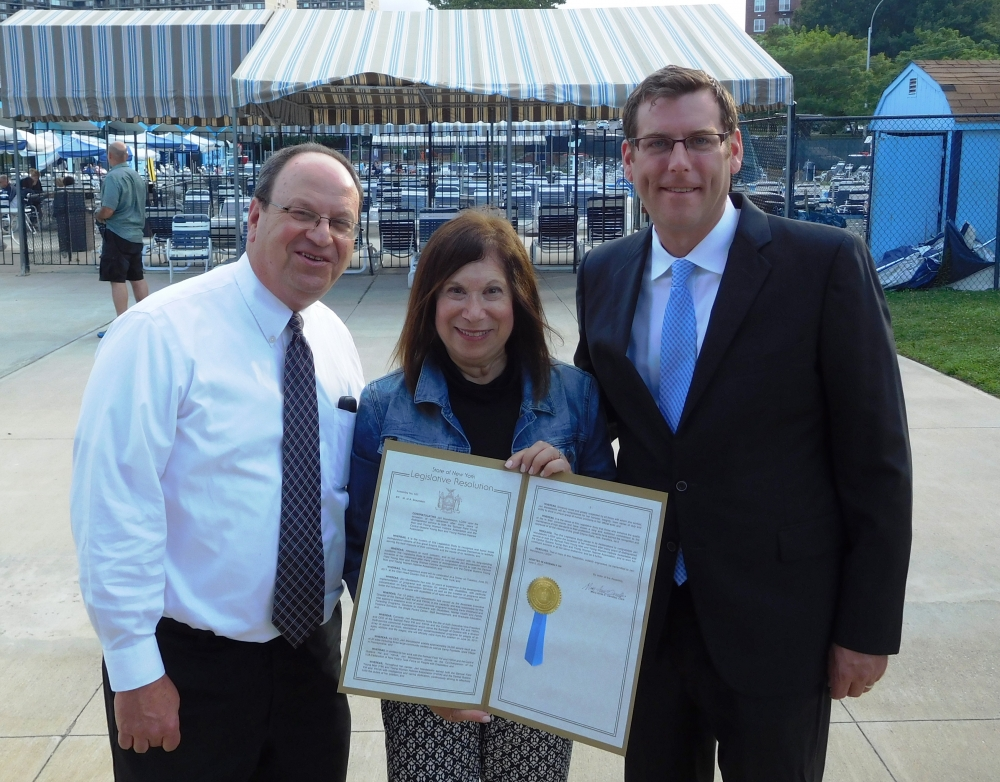 On July 25, 2017,  Assemblyman Braunstein attended the Samuel Field Y Annual Summer Time Community Celebration and Autism Awareness Event in Bay Terrace. Assemblyman Braunstein presented a New York St