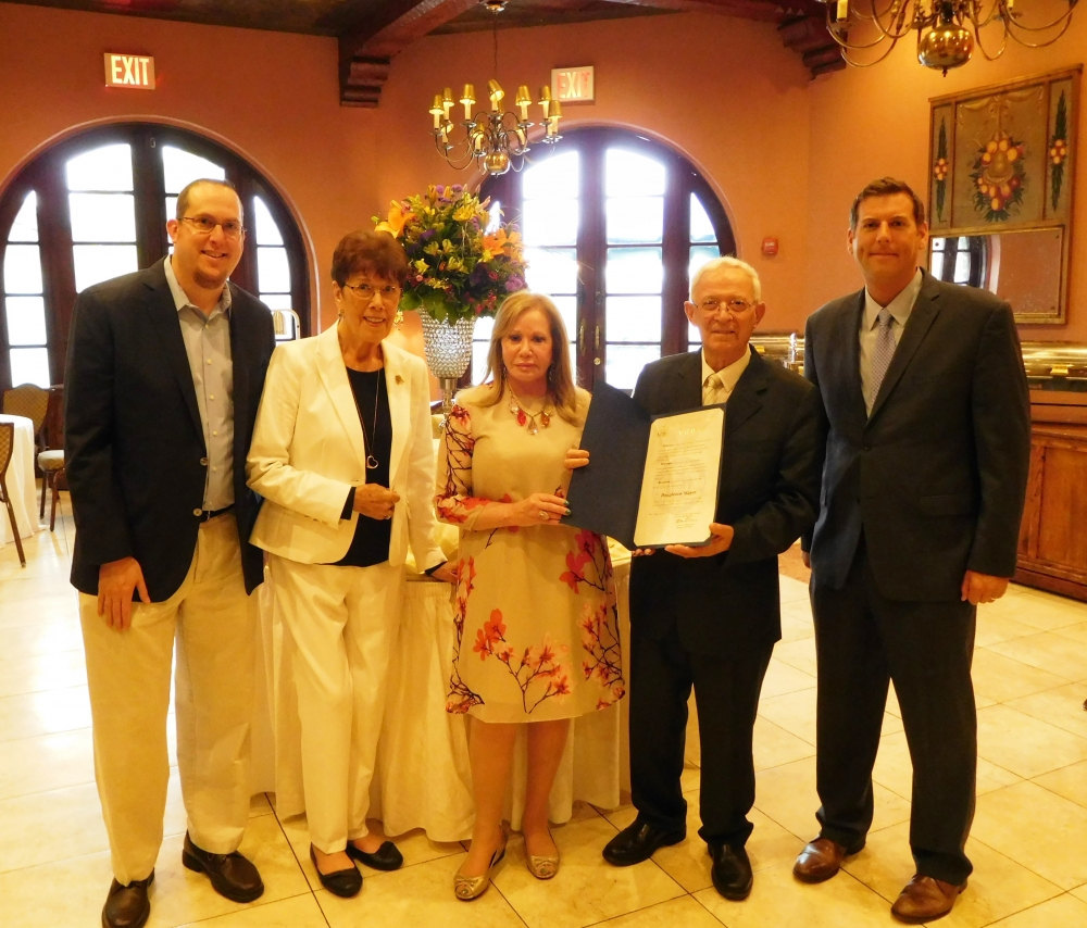 On August 18, 2017, Assemblyman Braunstein presented a New York State Assembly Citation to Guerino Cavaliere and Claudia Hubbard at the 12th Anniversary Celebration of the current ownership of The Dou