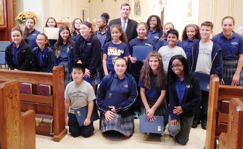 On October 23, 2017, Assemblyman Braunstein installed the newly-elected Divine Wisdom Catholic Academy of Douglaston 2017-2018 Student Council Officers and Representatives.<br />