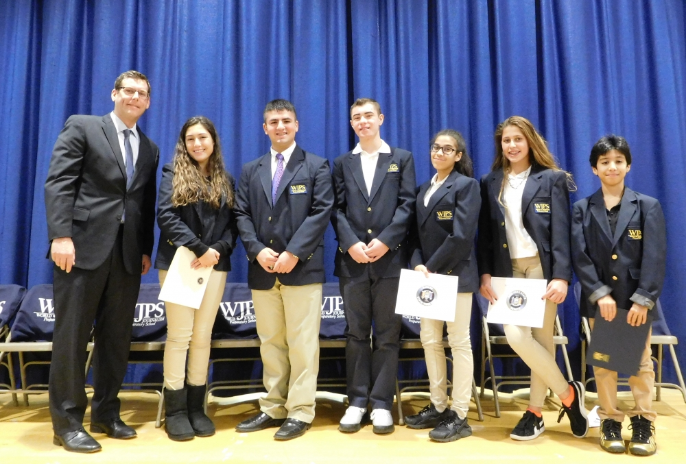 On November 27, 2017, Assemblyman Braunstein attended the World Journalism Preparatory School's Student Government Inauguration.