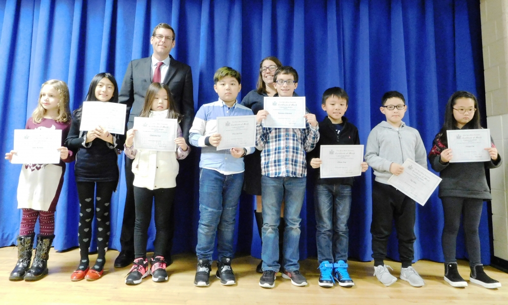 On November 28, 2017, Assemblyman Braunstein presented the PS 32 Student of the Month awards for October and November.